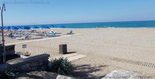 Пляжи в Аделианос Кампос