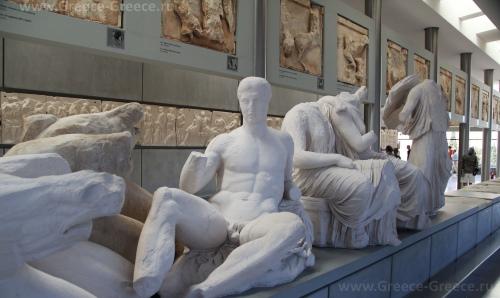 Экспонаты музея Акрополя