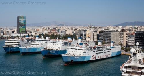 Красивый вид на порт Пирей