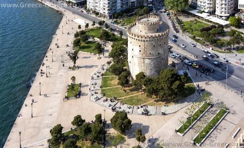 Белая Башня на набережной