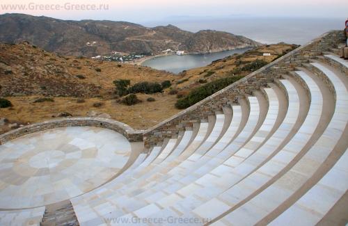 Открытый театр имени Одисеаса Элитиса на острове Иос